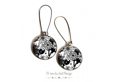 Earrings, flower drawings in black and white, epoxy resin, bronze, woman's jewelry