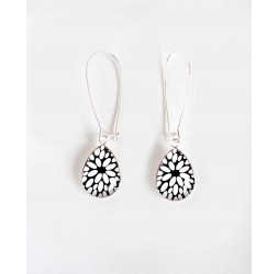 Earrings, small drop, black and blancl Flower, silver, woman's jewelry