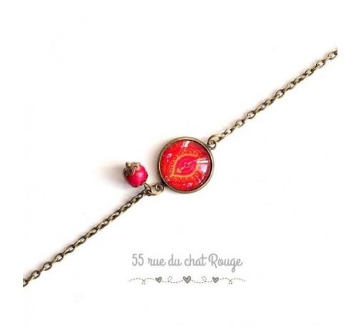 bracelet chaîne fine cabochon rouge