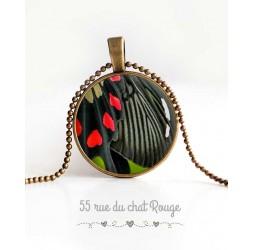 Collier pendentif cabochon, aile de papillon, noir et rouge, bijoux pour femme