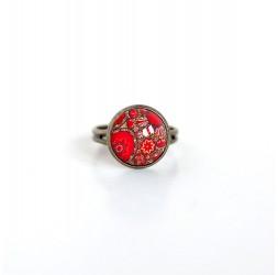 Piccolo anello cabochon, rosso ispirazione floreale bronzo indù