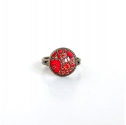 Small cabochon ring, Inspiration red floral Hindu bronze
