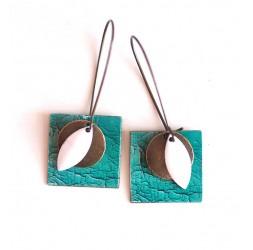 Boucles d'oreilles, pendantes, fantaisie,  imitation cuir turquoise craquelé, artisanat