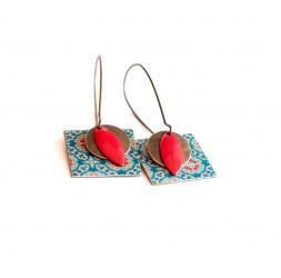 Boucles d'oreilles, pendantes, fantaisie,  esprit Maroc, bleu et rouge, artisanat