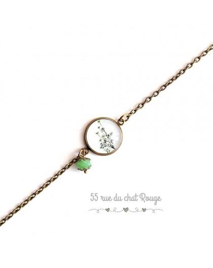 Armband feine Kette, Cabochon, kleine grüne Pflanze, grün weiß, bronze