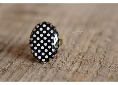 Ring Cabochon oval Small white polka dots black background