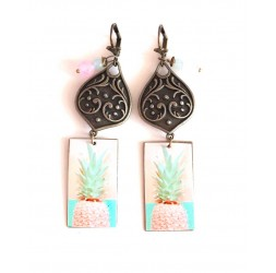 Earrings, pendant, fancy, Pineapple pink, soft blue, bronze