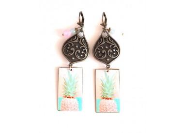 Earrings, pendant, fancy, Pineapple pink, soft blue, bronze