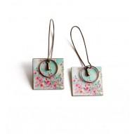 Boucles d'oreilles pendantes, fantaisie, fleurs rose, bleu pastel, bronze