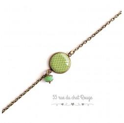 Bracelet woman, fine chain, Japanese wave cabochon, rye, green