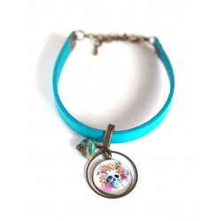 Damenarmband, türkisfarbenes Leder, mehrfarbig floraler Totenkopf Cabochon