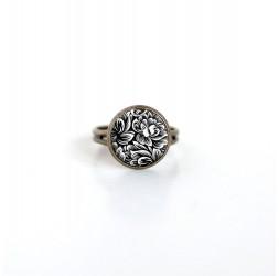 Pequeño 12mm anillo de cabujón, Ilustración floral, blanco y negro, bronce