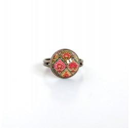Piccolo 12 millimetri anello cabochon, figura geometrica retrò, rosa antico, verde, bronzo