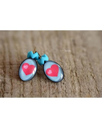 Orecchini Piccolo Cuore Rosso Sfondo Blu Pastello