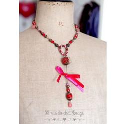 Collier fantaisie rouge et fushia avec pendentif goutte de Jade