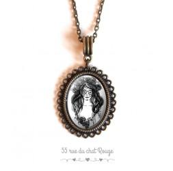 Cabochon pendant necklace, Gothic spirit, La muerta