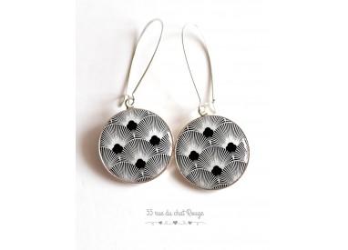 Boucles d'oreilles, Seigaiha noir et blanc, Japon, cabochon résine époxy