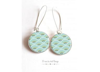 Orecchini, Seigaiha morbido blu e verde, il Giappone, resina epossidica cabochon