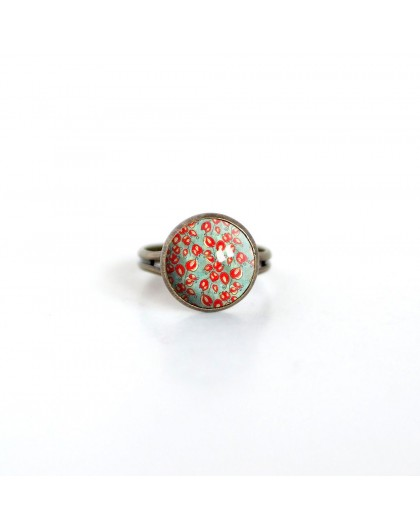 Cabochon ring, Fleurette red, green, spring, bronze